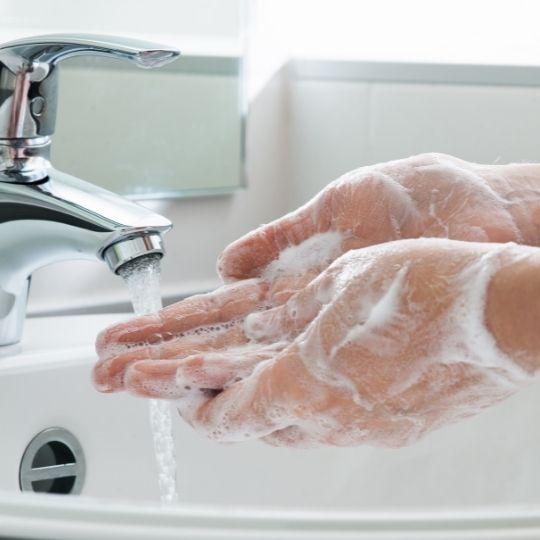 Tips Membersihkan & Mensterilkan Rumah untuk Cegah Corona COVID-19